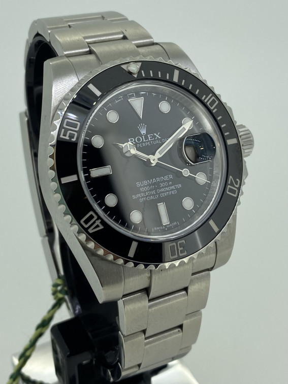 Rolex Submariner 116610LN Pre-owned Watch